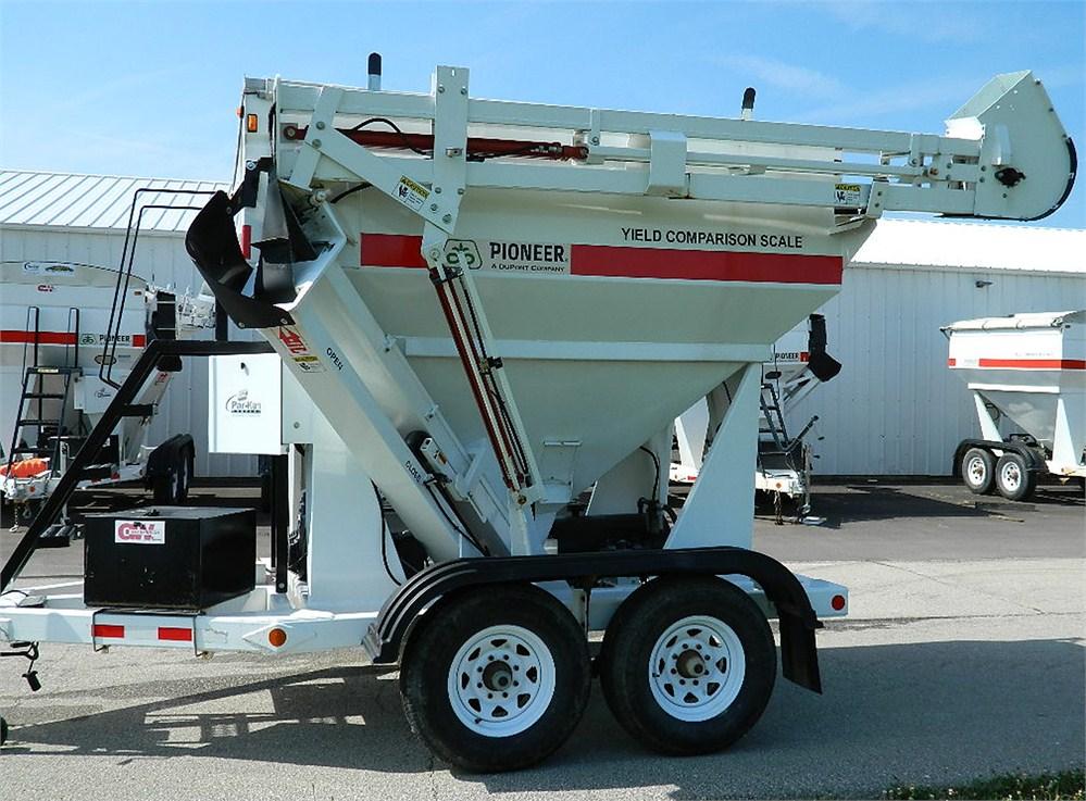 DuPont Pioneer Equipment Sales - 2007 GW 200C - Grain Weigh 200