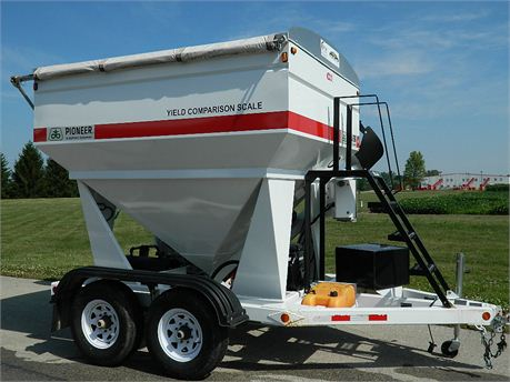 DuPont Pioneer Equipment Sales - 2007 GW 200C - Grain Weigh 200