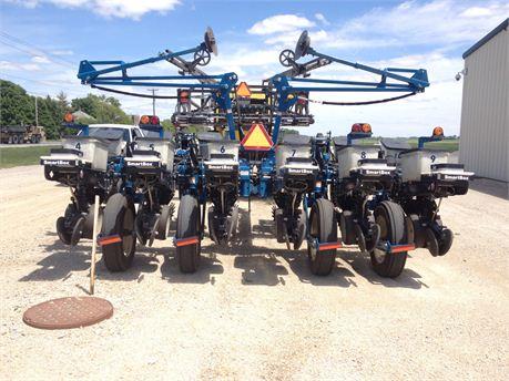 Dupont Pioneer Equipment Sales 2011 Kinze 3200 Center Flex Planter
