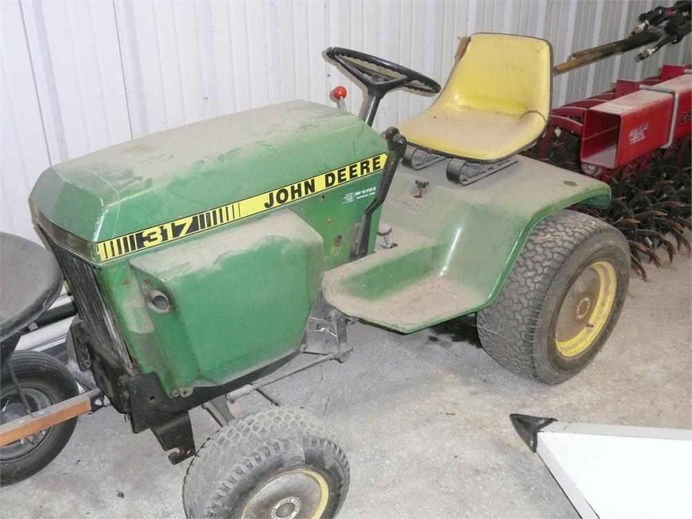 Corteva Equipment Sales 1980 John Deere 317 Lawn Tractor 48 Deck 2643