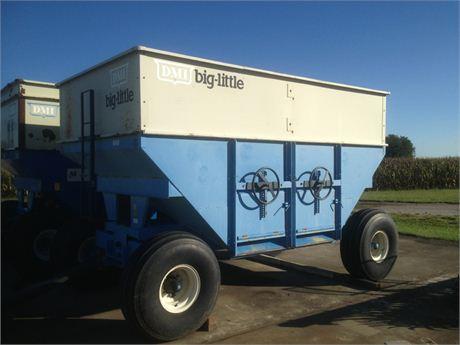 DuPont Pioneer Equipment Sales - DMI gravity bed wagon (C)